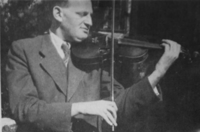 Pártos Ödön és brácsája az ereci zenekarban, 1941