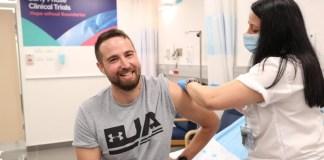 Szegev Harel, a tesztelésben résztvevő első páciens - fotó: Védelmi Minisztérium