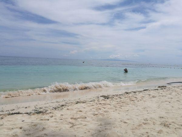 Alona Beach