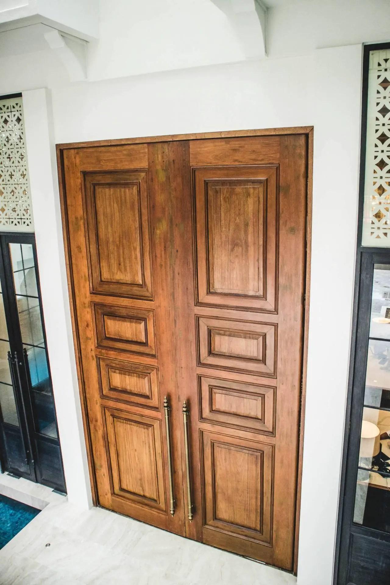 feliz hotel boracay doors