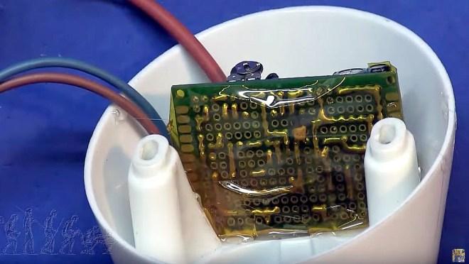 PCB dentro del soporte
