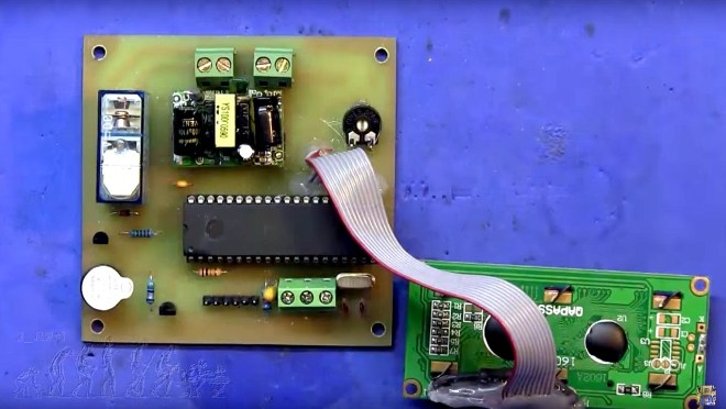 PCB del temporizador montada