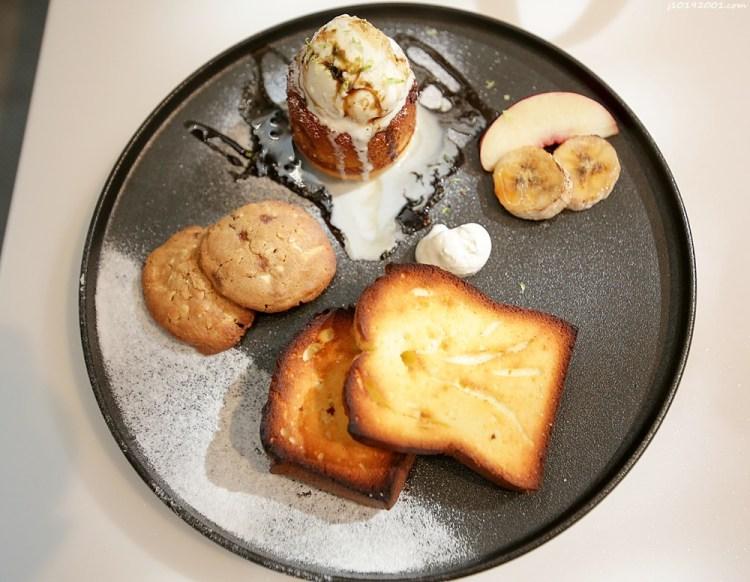 台南美食︱酸甜檸檬熔岩與奶油磅蛋糕好好吃~Corridor Café 鹹派/吐司/三明治/早午餐/司康/甜點/咖啡/飲品