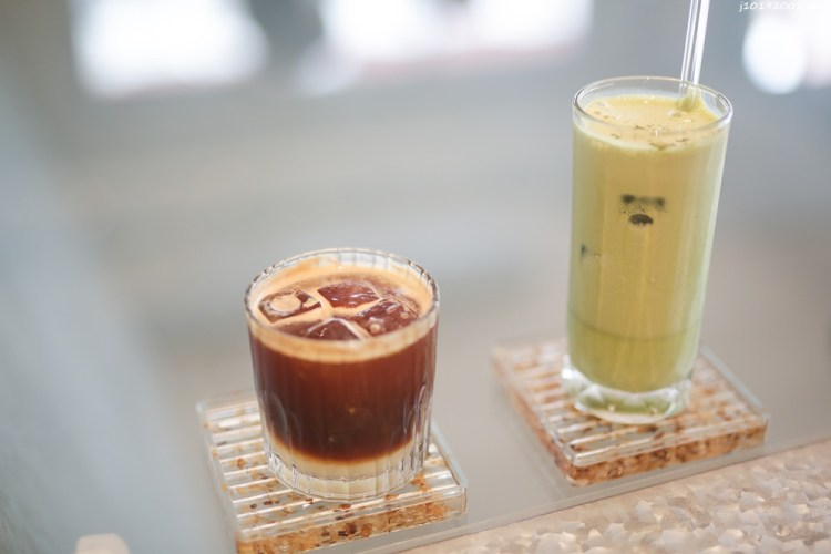 台南美食 設計極美的舒服咖啡店 學生的好去處 喝起來BOTTOMS UP 咖啡/飲品/吐司/甜點