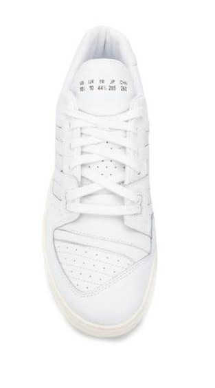 PERFORATED LACE UP