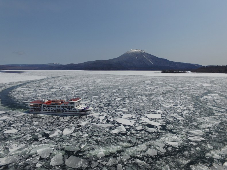 2019年 阿寒湖砕氷帯観光遊覧