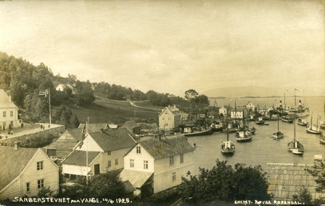 Våge, the commercial centre of Tysnes, in 1925. The majority of yacht sailors came from Våge, Lunde and Reksteren.