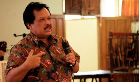 Wakil Ketua Umum IKA UPI Prof. Dr. Aim Abdulkarim, MPd. (NAJIP HENDRA SP/JABARTODAY.COM)