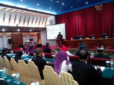 Seminar kajian hukum tentang pembentukan dan susunan perangkat daerah, di Hotel Savoy Homann, Rabu (30/11). (jabartoday/eddy koesman)