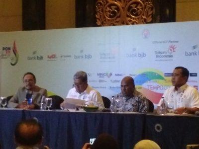 Ketua PB PON Jabar, Ahmad Heryawan (kedua dari kiri) menjelaskan target Jabar untuk PON XX Papua jabartoday.com /erwin adriansyah