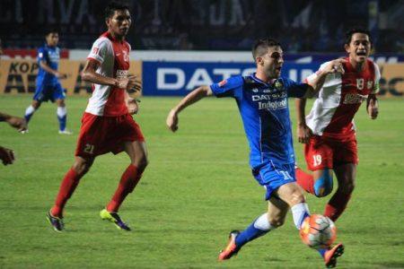 Robertino Pugliara saat melawan PSM Makassar, belum lama ini. Dalam dua laga, Djanur melakukan perubahan skuad. (net)