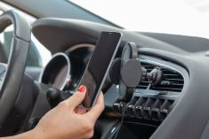 PNY Wireless Car Charger In Use