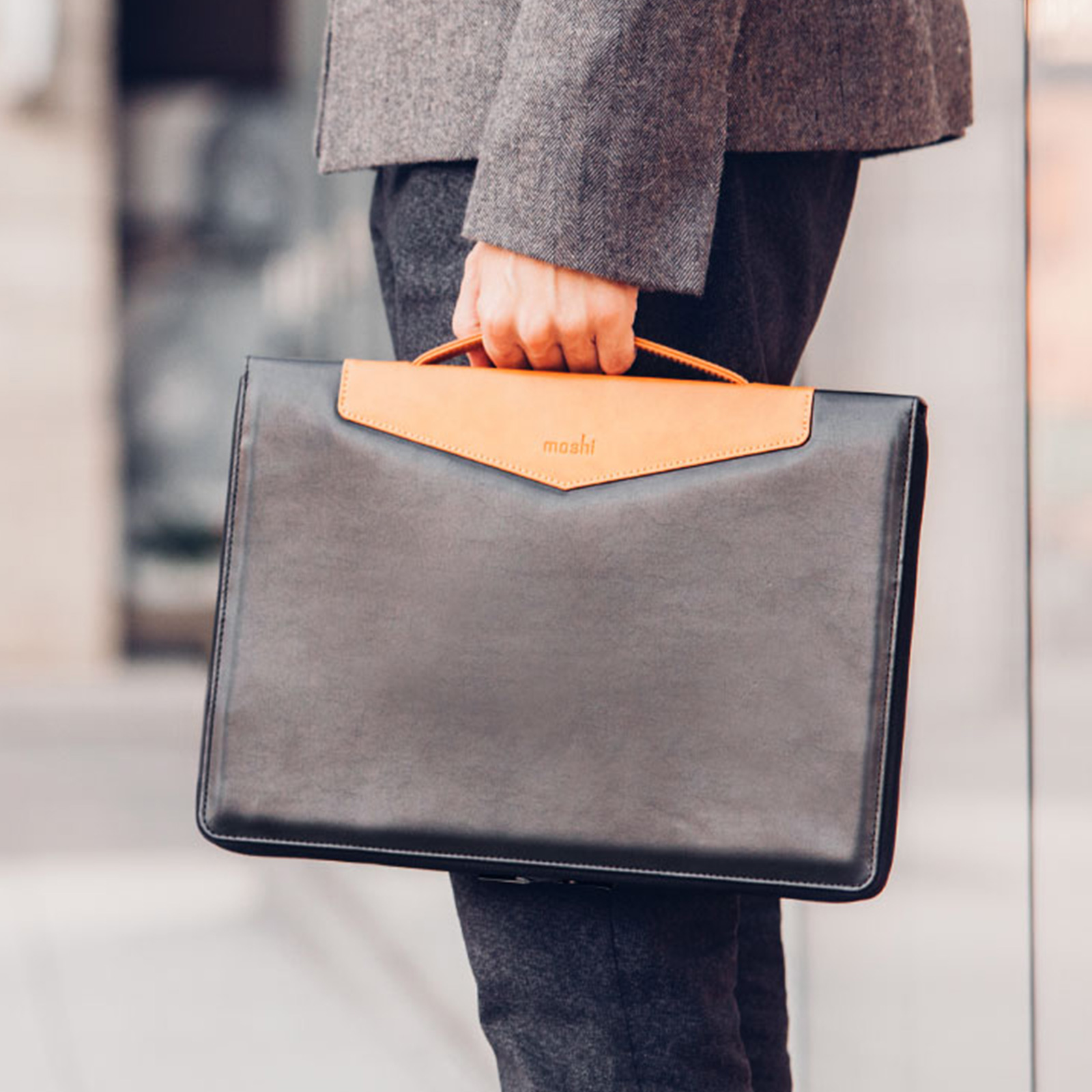 Moshi Codex Carry Case for MacBook Pro Review