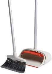 OXO Good Grips Upright Sweep Set Review