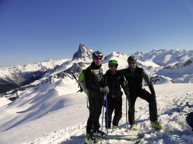 Aquí estamos los tres, en le cima del Pico Astún.