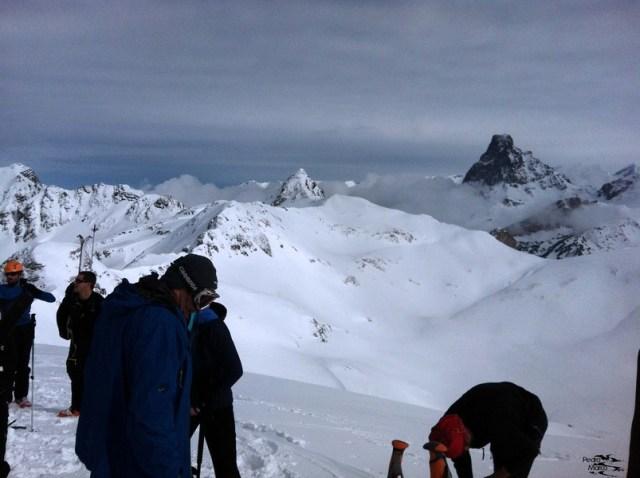 Vista del Midi d'Ossau desde la cima del Pico Belonseiche