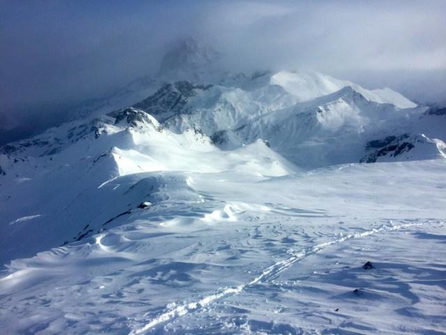 Huella de subida, hacia el Pico Astún de nuevo
