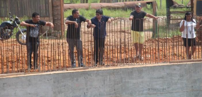 Prefeito Raimundo Batista Santiago inspecionou as obras da ponte do igarapé do Sonrizal