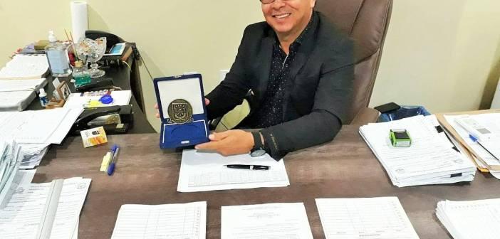 Prefeito Raimundo Batista Santiago recebeu comenda pelos 200 da Policia Militar do Pará