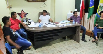 Prefeito Raimundo Batista Santiago recebeu Lideranças Comunitárias da Aldeia Teles Pires