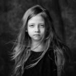 Portret dziecka – fotografia analogowa.