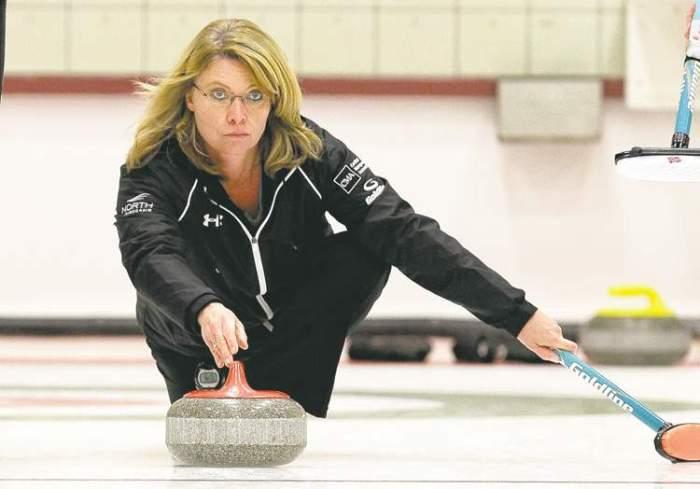 121021 curling 01.jpg