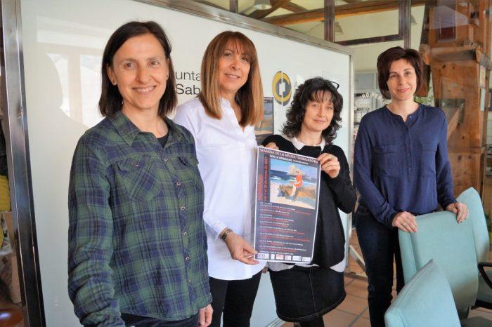 Carmen Jiménez, Berta Fernández, Ana Miranda y Elena Buil, en la presentación. (FOTO: Rebeca Ruiz)