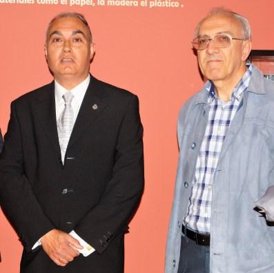 Los autores de la maqueta. Detalle de la maqueta. (FOTO: Rebeca Ruiz)