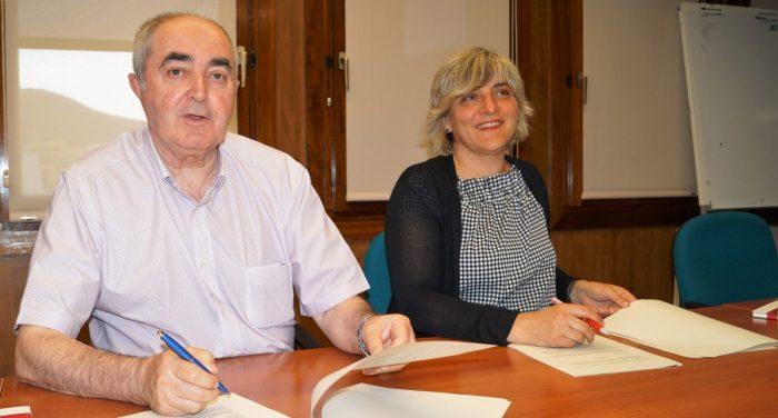 Nuevas líneas de apoyo para impulsar el desarrollo socioeconómico de La Jacetania. En la imagen, de archivo, Manuel Rodríguez y Montse Castán.