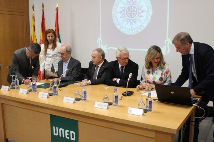UNED firma protocolo
