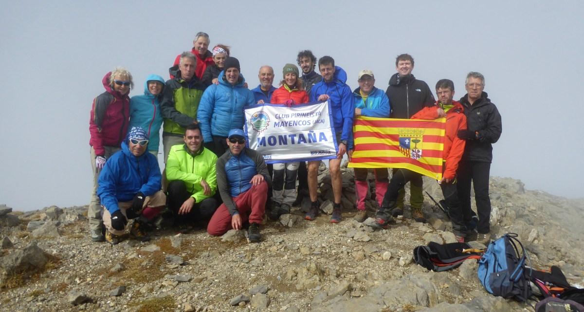 El Club Pirineísta Mayencos, en la Collarada por la vía Russell