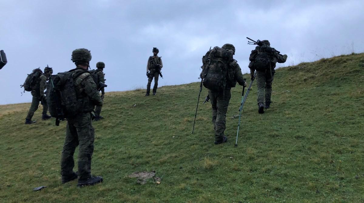 600 militares y 100 vehículos participan en un ejercicio en los valles de Tena y del Aragón