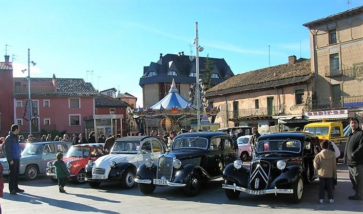 Concentración de coches históricos en Jaca
