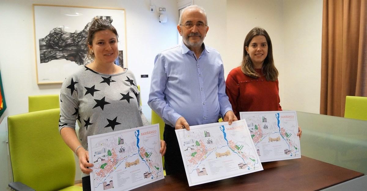El Ayuntamiento de Sabiñánigo y la AEPAG editan un nuevo callejero de la ciudad con un guiño al turismo