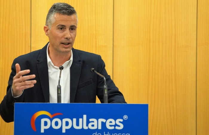 IMPUESTOS. Carlos Serrano, portavoz del Grupo Municipal del PP de Jaca. (FOTO: Rebeca Ruiz)