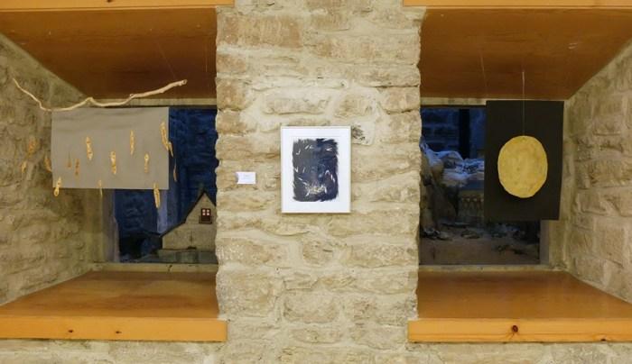 CON LUPA Y PRISMÁTICOS. Exposición en la Torreta de Fusileros de Canfranc.