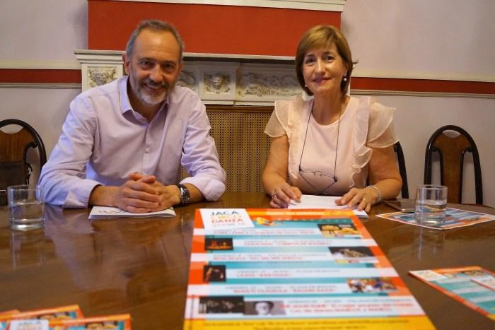 JACA CIRCO DANZA. Acín y Lacasta, en momento de la presentación. (FOTO: Rebeca Ruiz)