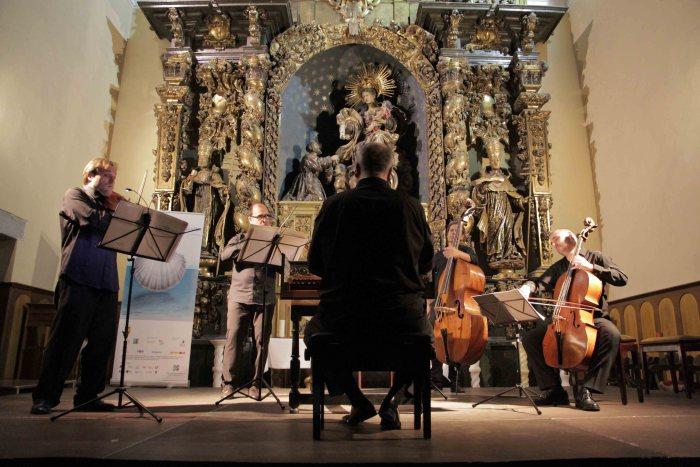 FESTIVAL INTERNACIONAL EN EL CAMINO DE SANTIAGO. Al Ayre Español, en la Iglesia del Carmen de Jaca.