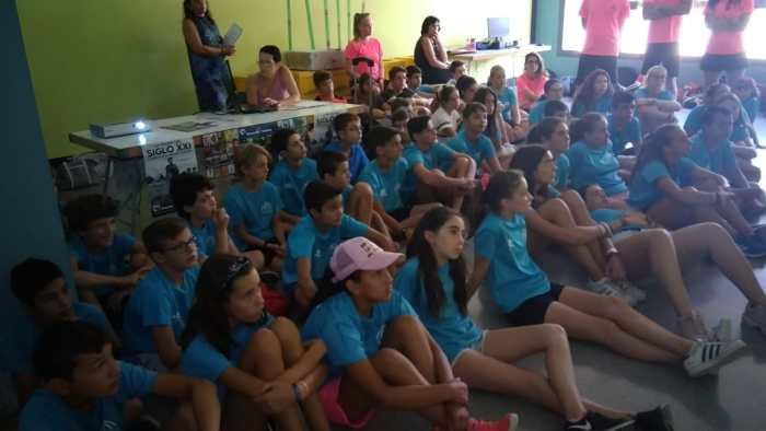 RASTRILLO. Taller de Manos Unidas en la Escuela de Verano.