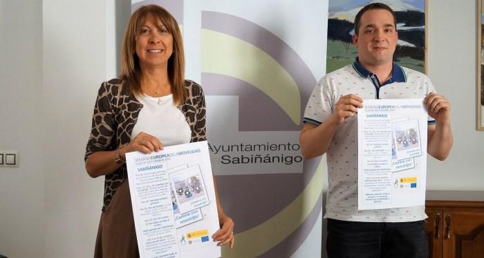 MOVILIDAD. Berta Fernández y Héctor Lanaspa, durante la presentación de la Semana Europea de la Movilidad. (FOTO: Rebeca Ruiz)