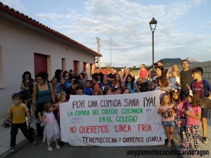 CACEROLADA. Nuevas movilizaciones en Santa Cilia. (FOTO: Amypa Monte Cuculo)