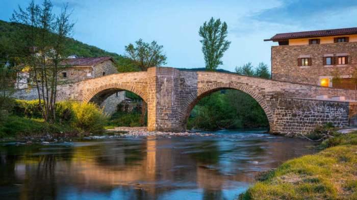 ZUBIRI. Puente de la Rabia. (FOTO: AACSJ)