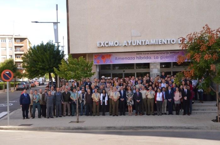 AMENAZAS. Tradicional foto de familia de los participantes en el curso.