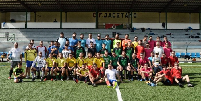 VETERANOS JACA. Participantes en el Torneo de Otoño de Fútbol 8. (FOTO: AD Veteranos Jaca)
