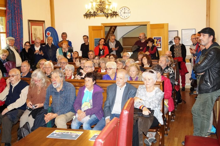 MEMORIA HISTÓRICA. Participantes en el encuentro de Canfranc. (FOTO: Rebeca Ruiz)