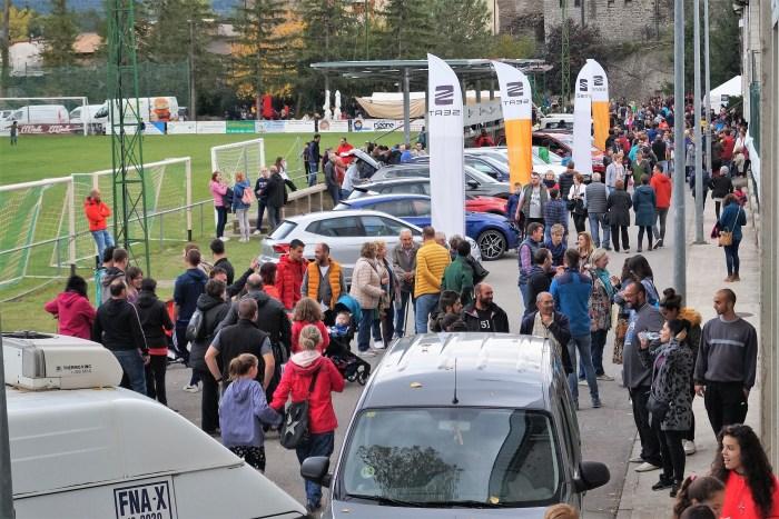 BIESCAS. Más de 10.000 visitantes y 6.000 kilos de queso vendidos. (FOTO: Rebeca Ruiz)