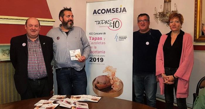 TAPAS. De izda. a dcha., Lasala, Piedrafita, Pérez chaparro y Fernández. (FOTO: Rebeca Ruiz)