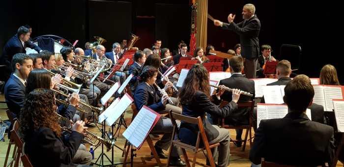 MÚSICOS. Un momento de la actuación de la Banda Municipal de Música Santa Orosia. (FOTO: Rebeca Ruiz)