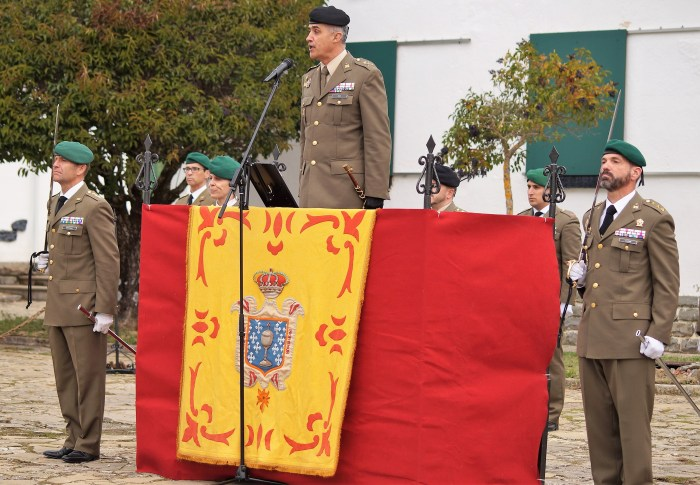 RELEVO DE MANDO DEL CORONEL JEFE DEL REGIMIENTO GALICIA. Un momento del acto (FOTO: Rebeca Ruiz)