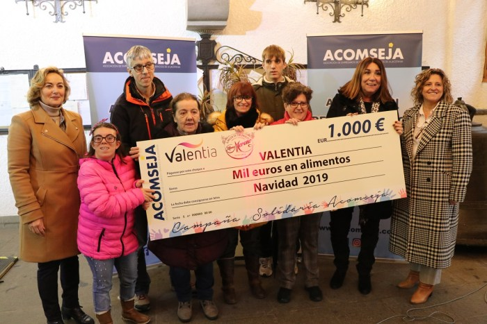 SORTEO Y SOLIDARIDAD. Entrega del cheque a ATADES. (FOTO: Acomseja)